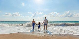 Τι θα πληρώσουν σε ξενοδοχεία και ακτοπλοϊκά όσοι επιλέξουν να πάνε διακοπές με τον κοινωνικό τουρισμό ΟΑΕΔ