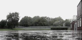 Καιρός ΤΩΡΑ: Ισχυρή καταιγίδα στα βόρεια προάστια - Πλημμύρισαν δρόμοι