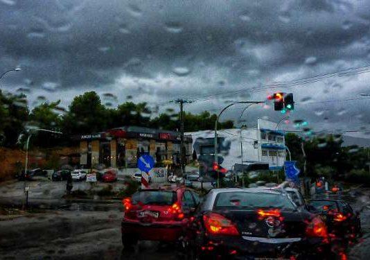 Καιρός: Έρχονται βροχές, καταιγίδες και κεραυνοί - Πού θα είναι έντονα τα φαινόμενα - Δείτε τους χάρτες