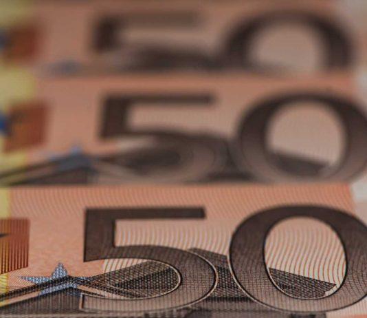 Ελβετία: Εγκρίθηκε ο νέος ελάχιστος μισθός 3.800 ευρώ το μήνα αλλά «δεν φτάνουν για μια αξιοπρεπή ζωή»!