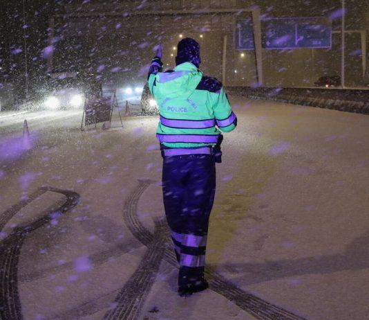 Η Μήδεια χτυπάει την Αττική : Ισχυρή σύσταση στους κατοίκους – Εγκλωβισμένοι, ατυχήματα, κλειστοί δρόμοι
